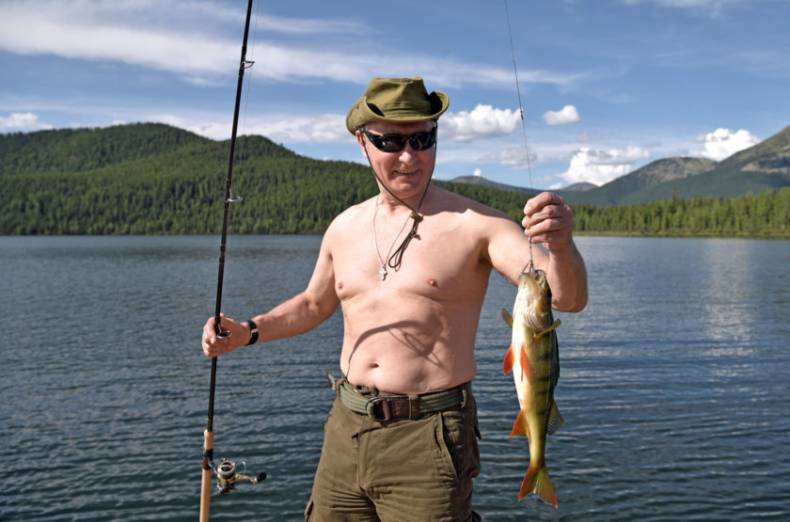 copy-of-2017-08-05t161039z-568256027-rc17acd4c190-rtrmadp-3-russia-putin-fishing