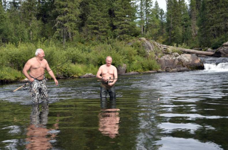 copy-of-2017-08-05t152508z-1019411849-rc1c36ad1350-rtrmadp-3-russia-putin-fishing