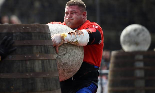 Battle of the strongmen in Belfast