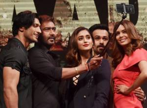 'Baadshaho' stars release trailer in style