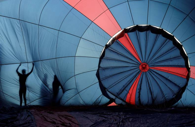 copy-of-2017-08-11t103950z-1030673810-rc1f4e020070-rtrmadp-3-britain-balloons