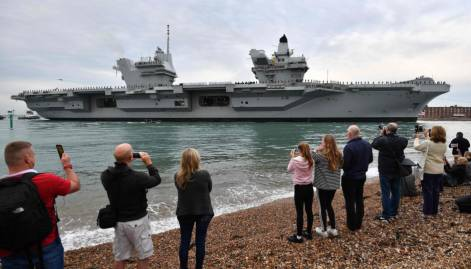 HMS Queen Elizabeth arrives to great fanfare