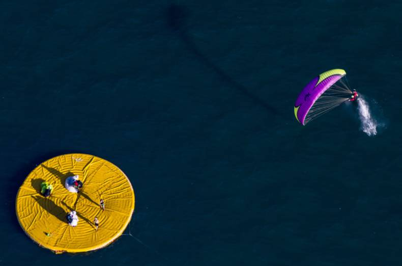 copy-of-switzerland-paragliding-80492-jpg-0a6ec