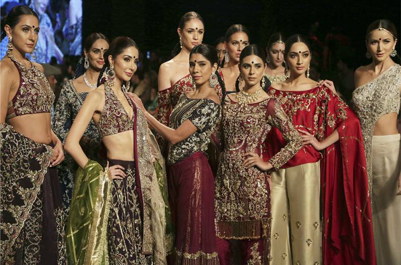 copy-of-pakistan-bridal-fashion-week-07733-jpg-16194