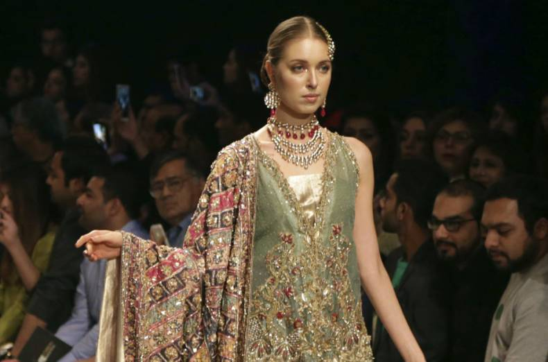 copy-of-pakistan-bridal-fashion-week-15430-jpg-ce2e3