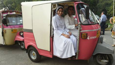 Women in Lahore hold rickshaw rally for equality