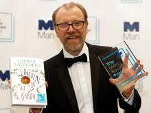 US author Saunders wins Man Booker Prize