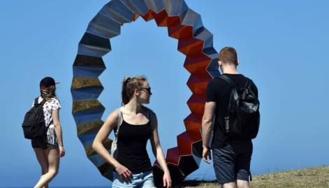 'Sculpture by the Sea' exhibition kicks off