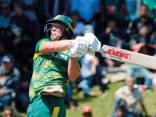 De Villiers finds sweet spot on return