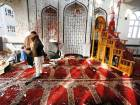 Kabul mosque hit by suicide bomber