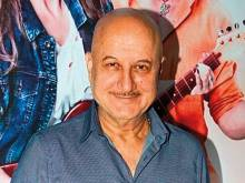 Anupam Kher vows to work with FTII students