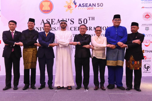 NAT_171024_ASEAN'S CELEBRATIONS_ABDUL~1