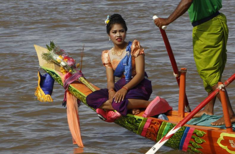 copy-of-cambodia-water-festival-90365-jpg-d72c7
