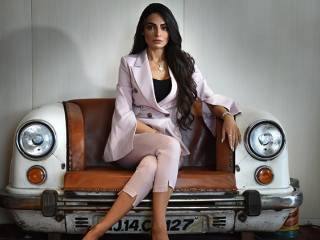 Rafeea Al Hajsi on being an Emirati model