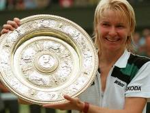 Novotna loses her fight with cancer