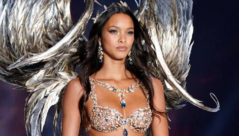 Victoria's Secret show hits China