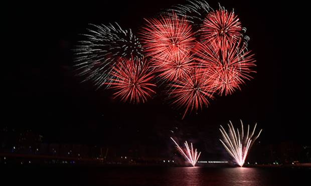 Fireworks at la Mer for UAE National Day 2017