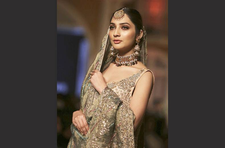 copy-of-pakistan-fashion-91150-jpg-458df