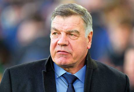 Allardyce to review Everton players