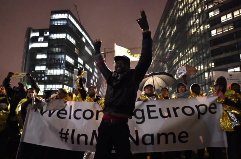 copy-of-2017-12-13t180803z-1850220632-rc180c1478b0-rtrmadp-3-europe-migrants-brussels-protest
