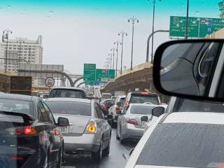 Traffic chaos, floods in UAE rush hour