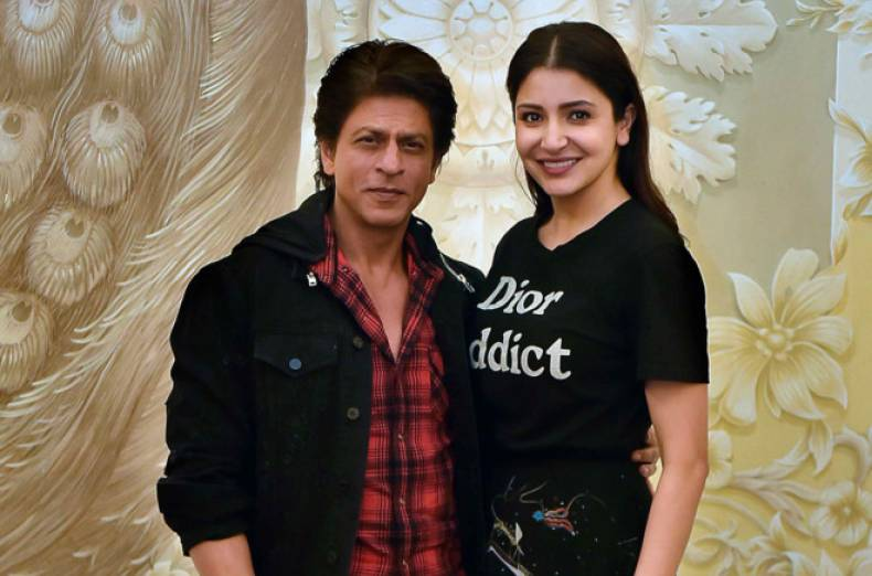 tab-bollywood-stars-in-dubai-shah-rukh-khan-and-anushka-sharma