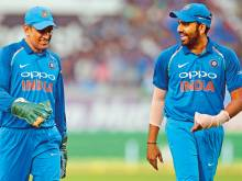 Rohit backs Dhoni in limited-overs cricket