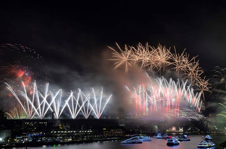 fireworks-light-the-sky-over-the-harbour-bridge-during-new-year-s-eve-celebrations-in-sydney