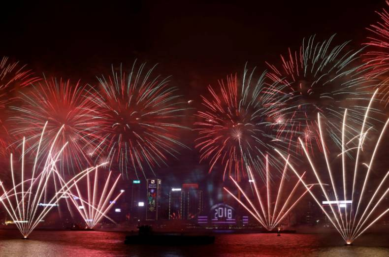 copy-of-2017-12-31t164122z-1736524091-rc110dbf3610-rtrmadp-3-new-year-hongkong-fireworks