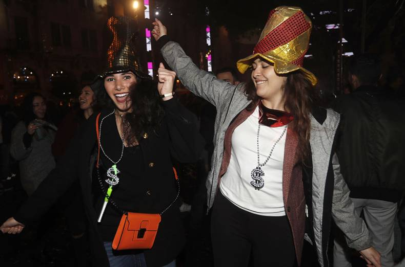 lebanese-women-dance-during-a-new-year-s-celebration-in-downtown-beirut-lebanon