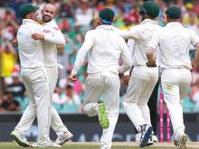 Australia close in on big victory in Sydney