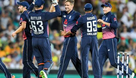 Pictures: England win 3rd ODI, clinch series
