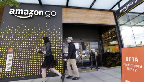 Amazon opens store with no cashiers