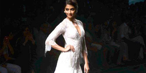Lakme Fashion Week: Ridhi mixes it up