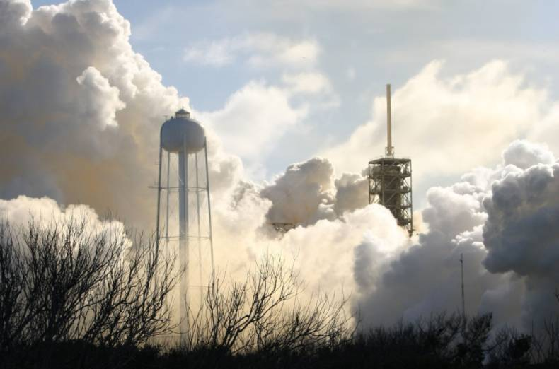 copy-of-2018-02-06t235812z-1792476813-hp1ee261ukznn-rtrmadp-3-space-spacex-heavy