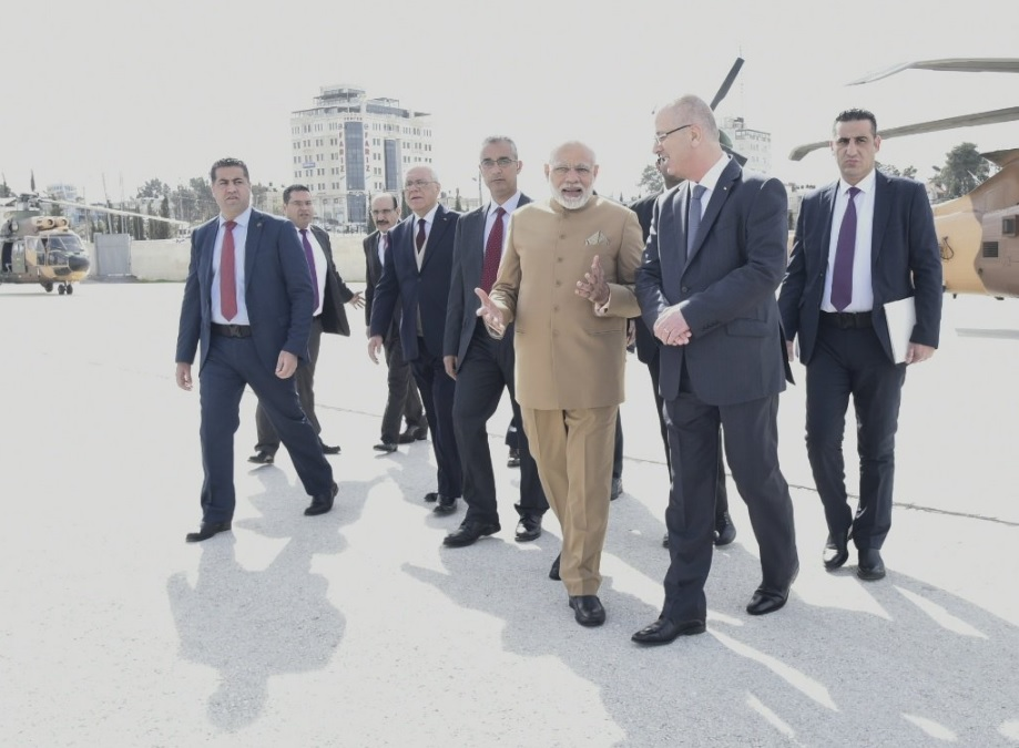 Prime Minister Narendra Modi arrives in Ramallah, Palestine to a rousing welcome.