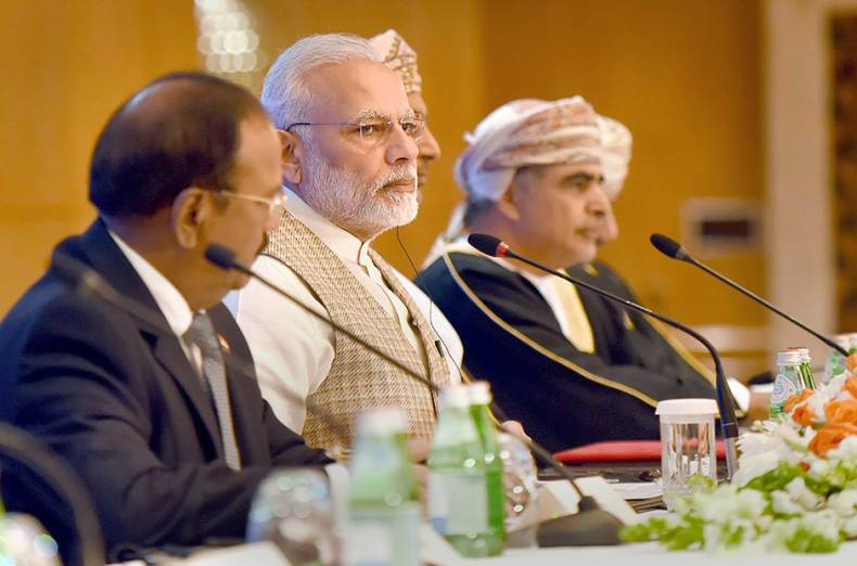 prime-minister-narendra-modi-at-the-oman-india-business-meet-in-muscat