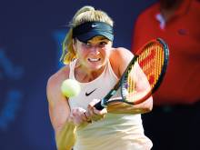 Easy does it for Kerber and Svitolina
