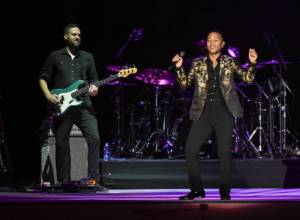 Review: John Legend's uplifting set to Dubai