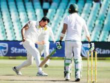 Five-star Starc restricts South Africa to 162