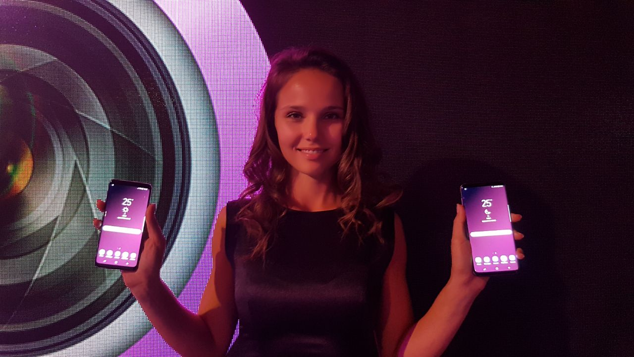 A model holds a Samsung S9 and S9+ during the Dubai launch on Wednesday night.