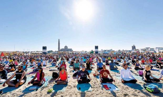 Free your mind with beach yoga