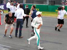Hamilton storms to pole in Melbourne Grand Prix