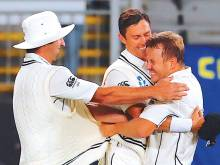 Wagner bounces New Zealand to innings victory