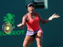Venus, Azarenka march into Miami quarter-finals
