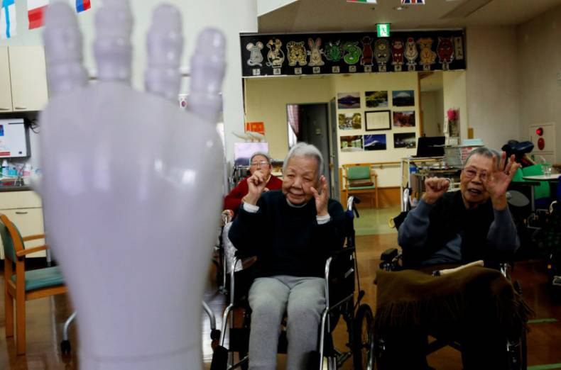 copy-of-2018-03-27t232347z-1856040508-rc14061c66f0-rtrmadp-3-japan-ageing-robots