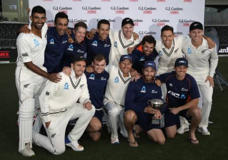 Tailenders hold on to hand series to Kiwis