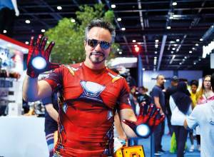 Video: Dubai residents show-off cosplay getup
