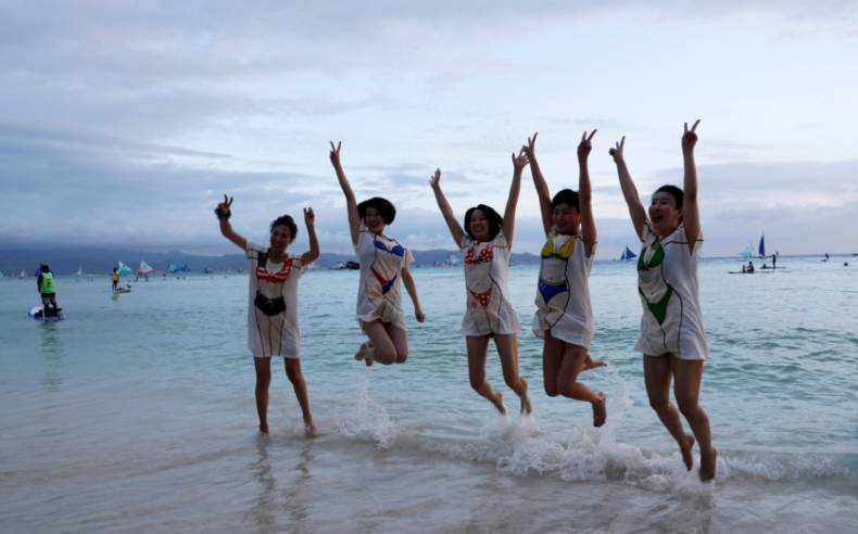 copy-of-2018-04-08t121434z-1013467939-rc1958e922d0-rtrmadp-3-philippines-environment-boracay
