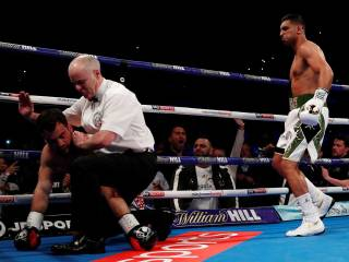 Amir Khan knocks down Greco in 39 seconds